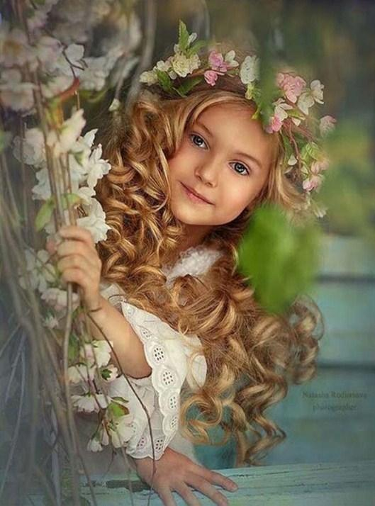 Beautiful Child with Flowers Crown Diamond Painting