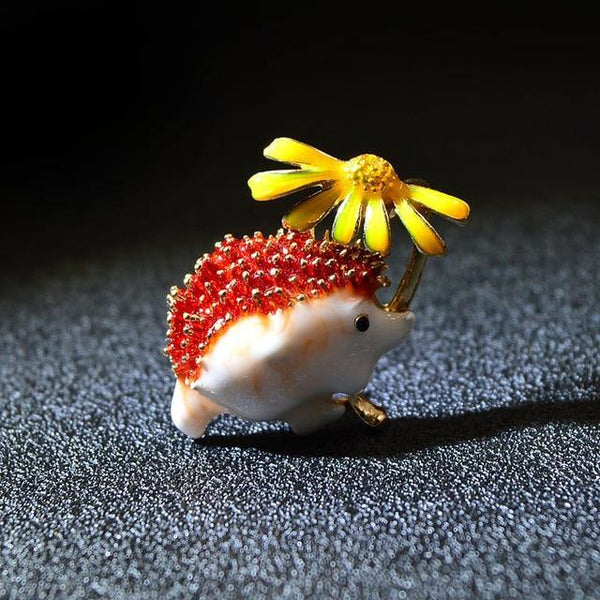 Hedgehog Daisy Pin Brooch freeshipping - looksCares