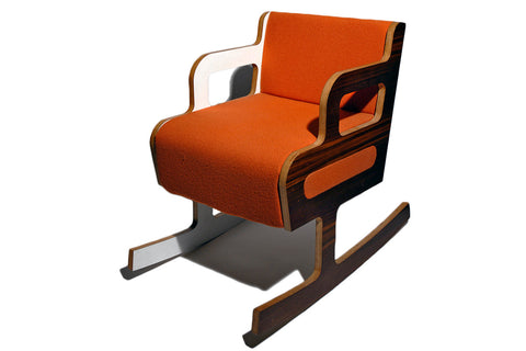 Bile rocking chair