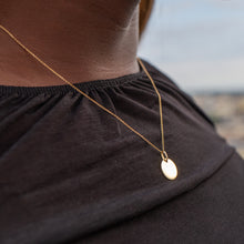 Load image into Gallery viewer, Moneda Pendant Necklace