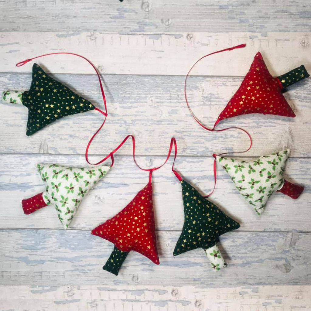 Living in Loveliness | Plush Padded Christmas Tree Garland | AAA Show Kit