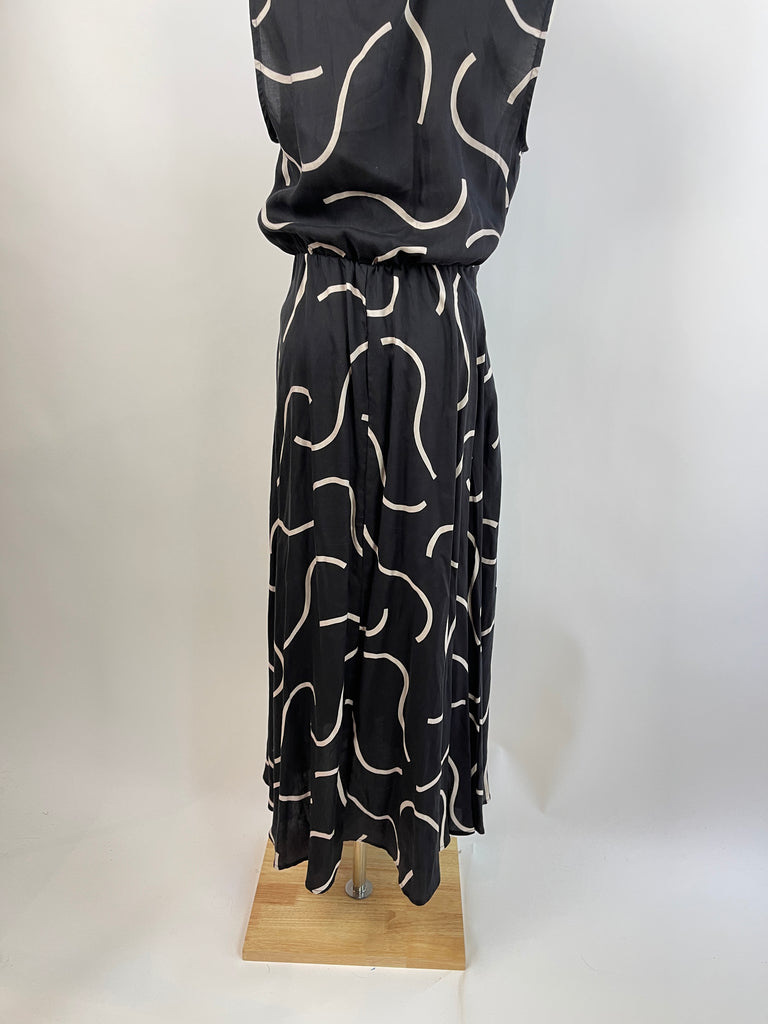 Iconic Luxe Maroon & White Maxi Dress (M)