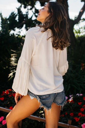 Ruffled Neck Ballooned Long Sleeve Blouse / Ivory