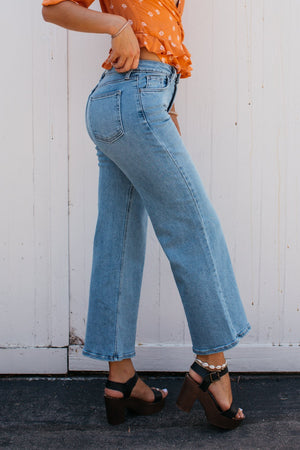 10.5 inch Rise Wide Leg Crop Jean / Medium Wash