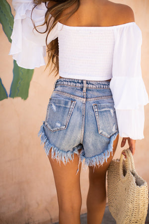High Rise Distressed Rolled Up Short / Light