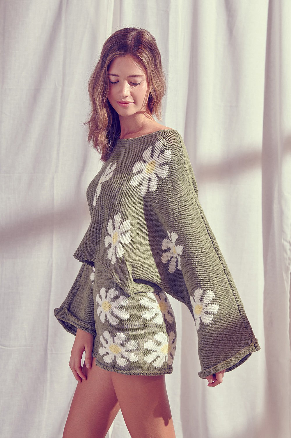 Daisy Knit Cropped Bell Sleeve Sweater / Olive
