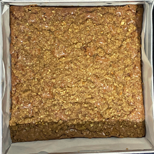 Load image into Gallery viewer, Hazelnut Crumble Brownie