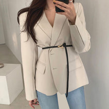 Afbeelding in Gallery-weergave laden, French Elegant Blazer Lapel Single-breasted Slim Waist Long-sleeved Suit with Belt White Blazer