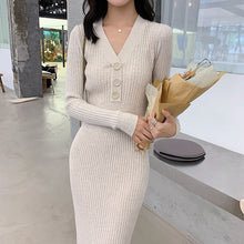 Load image into Gallery viewer, French retro long-sleeved small black skirt v-neck bottoming knitted dress female autumn winter