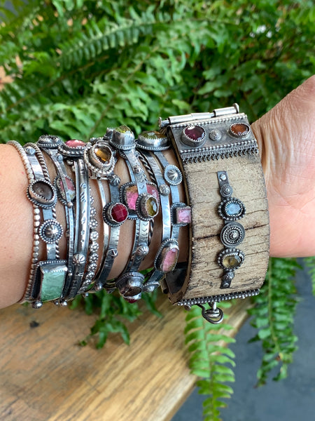 ORNAMENTAL SHOWER Bracelet Collection - 55