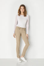 Load image into Gallery viewer, khaki||||Essentials_As406_Skylar_Pant_7400-Khaki_2567-4.mp4