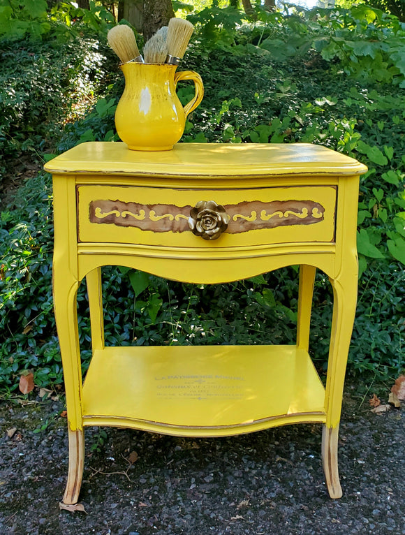 Vibrant Sunflower Accent / End Table