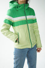 Charger l'image dans la galerie, Retro white and green jacket size small | Manteau retro vert et blanc grandeur small