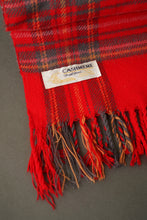Load image into Gallery viewer, Cashmere tartan scarf