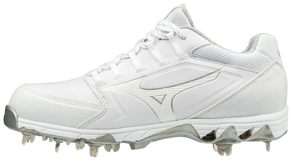 Size 6.5//Black or Size 9.5//Navy Mizuno 9-Spike Swift 4 Fastpitch Shoes