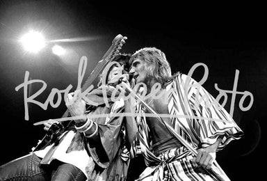 Rod Stewart and Ronnie Wood by Robert M. Knight