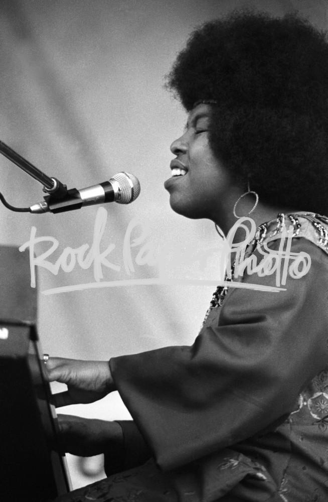 Roberta Flack by Thomas Copi