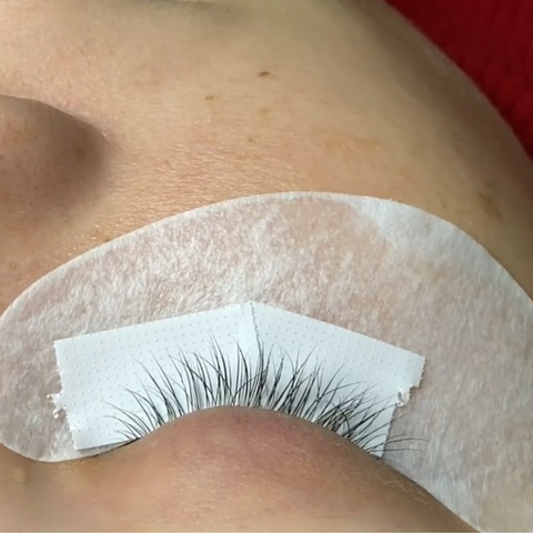 How do you keep you bottom lashes down?