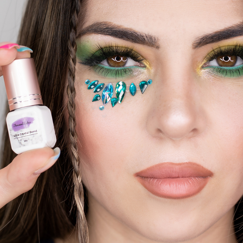 How to Make Your Lash Business Stand Out on Social Media