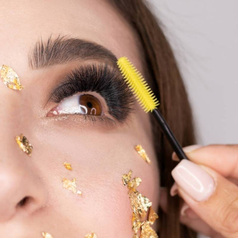 How to complete a full set of volume lash extensions faster?