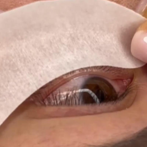 STEP #3  APPLY THE UNDER EYE PATCHES GENTLY