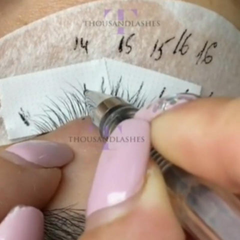 STEP #4  MAP OUT YOUR EYELASH SET