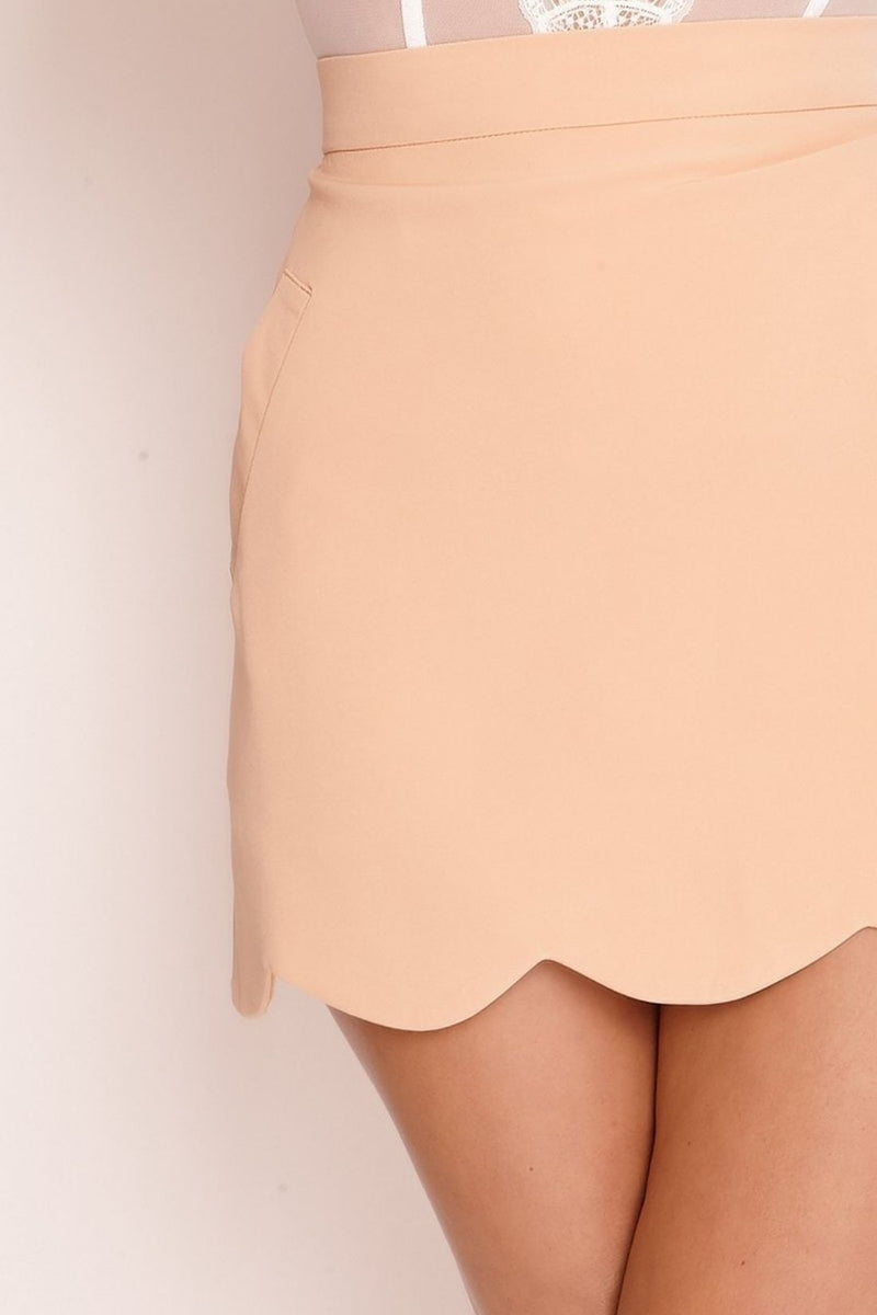 HIGH STREET Peach Scallop Hem Mini Skirt