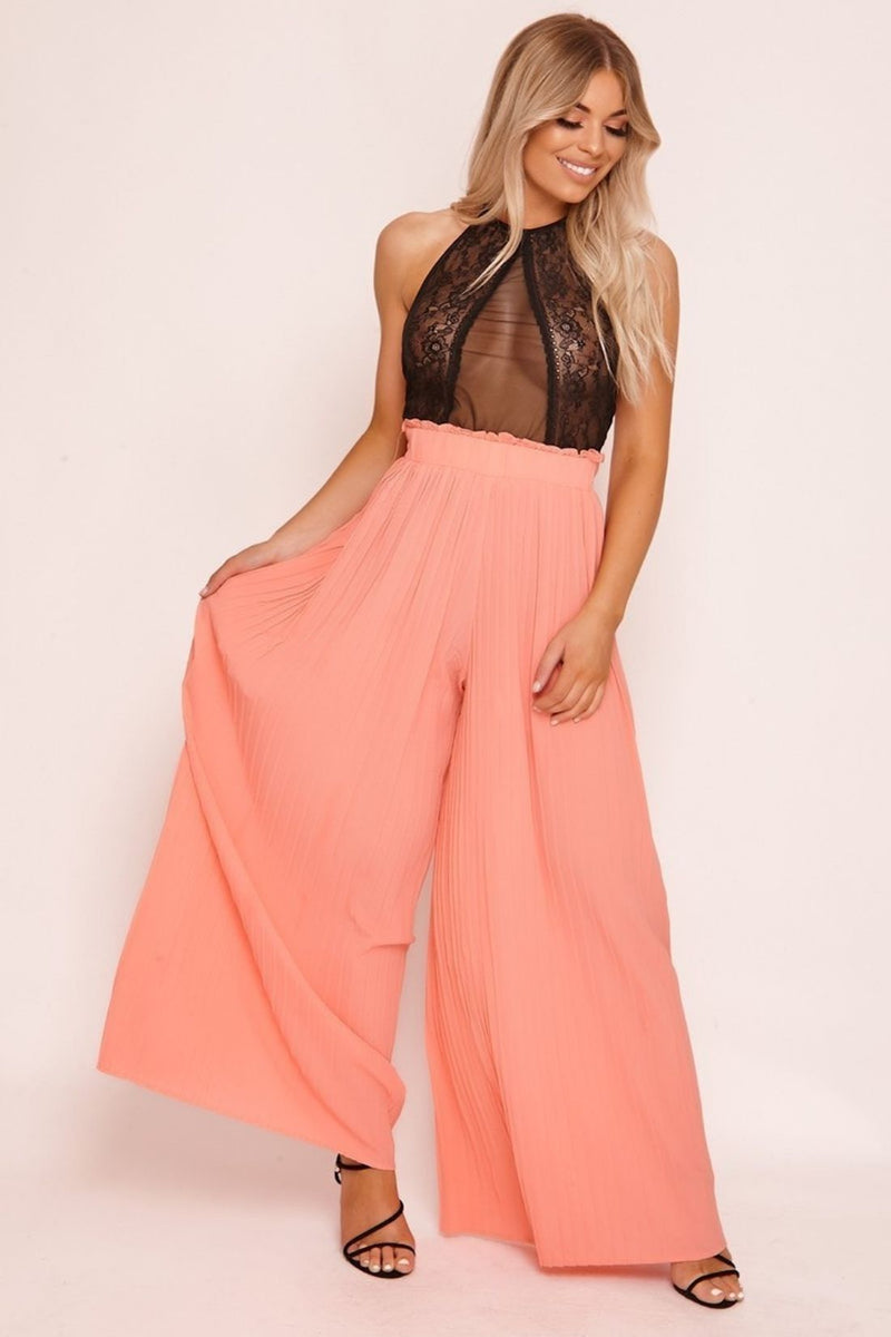 HIGH STREET Pink Pleated Palazzo Trousers front.