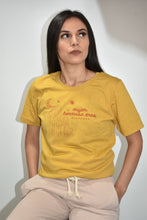 Load image into Gallery viewer, Mujer Hermosa T-Shirt