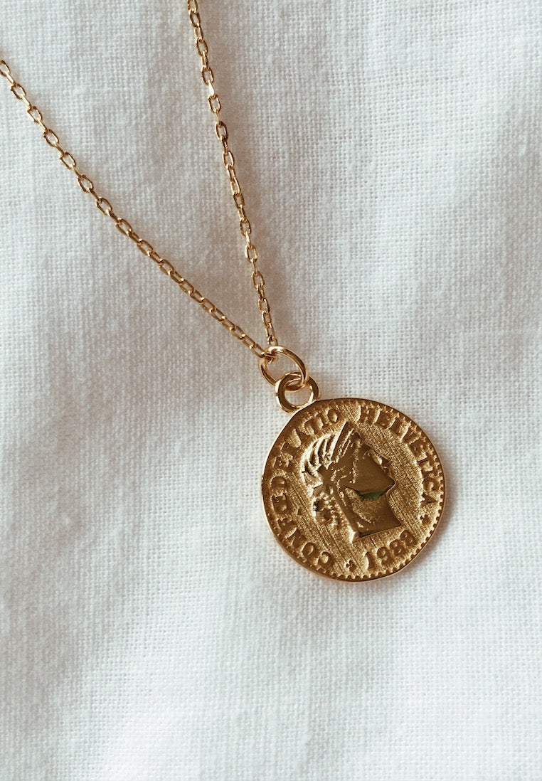 Ashley-Summer-Co-Gold-Coin-Pendant-Necklace-Australia