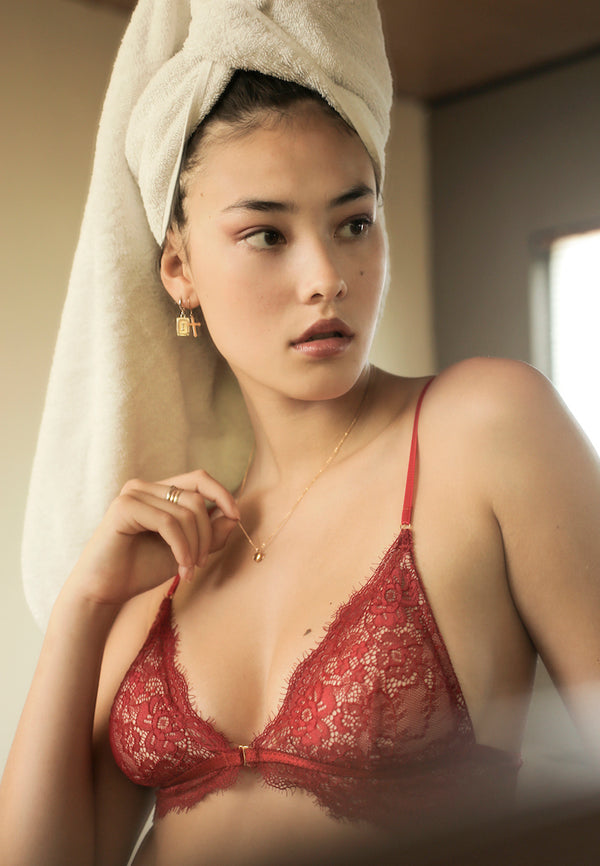 Ashley-Summer-Co-Naomi-Red-front-clasp-lingerie-lace-padded-bralette-singapore