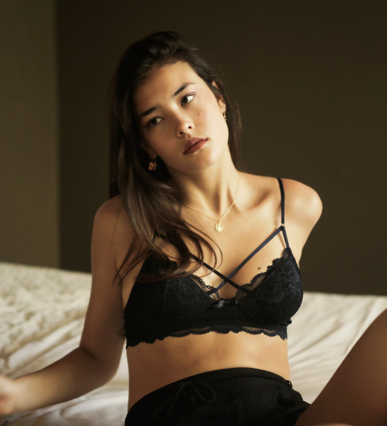 shley-Summer-Co-Scarlett-Navy-Blue-strappy-lace-bralette-padded-singapore