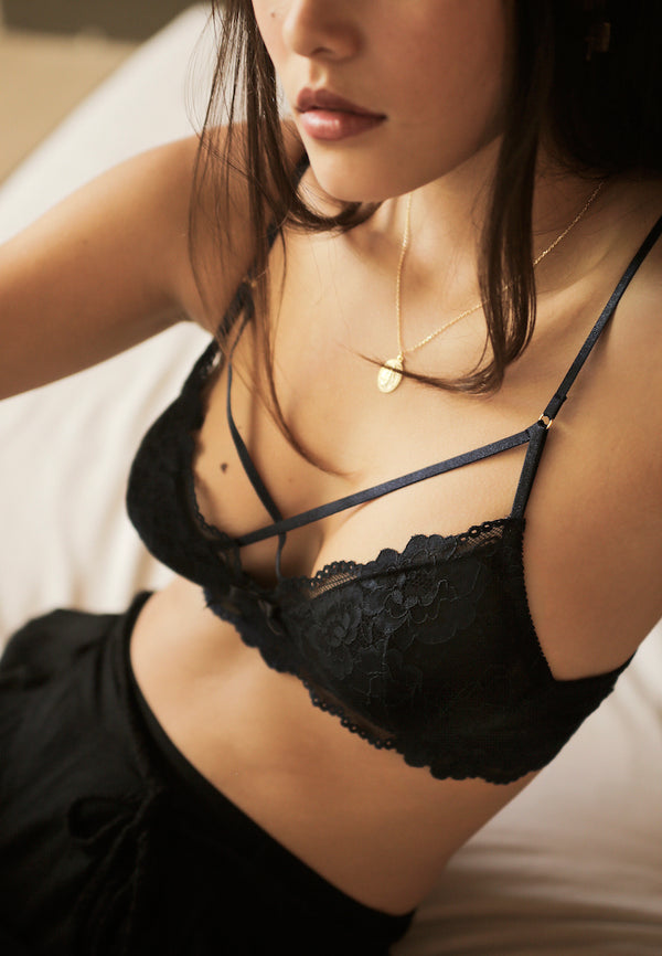 shley-Summer-Co-Scarlett-Navy-Blue-strappy-padded-lace-bralette-singapore
