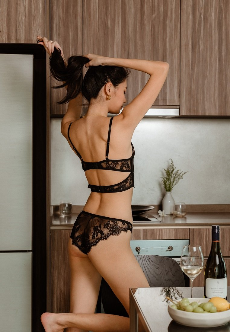 BLANCHE LACE AND SILK CHEEKY UNDERWEAR BLACK