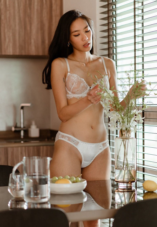 BLANCHE LACE AND SILK CHEEKY UNDERWEAR WHITE