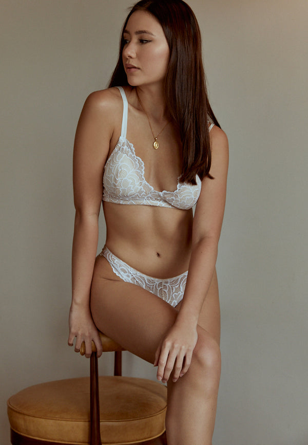 Brunch-Date-White-Lace-Bralettes-Ashley-Summer-Co