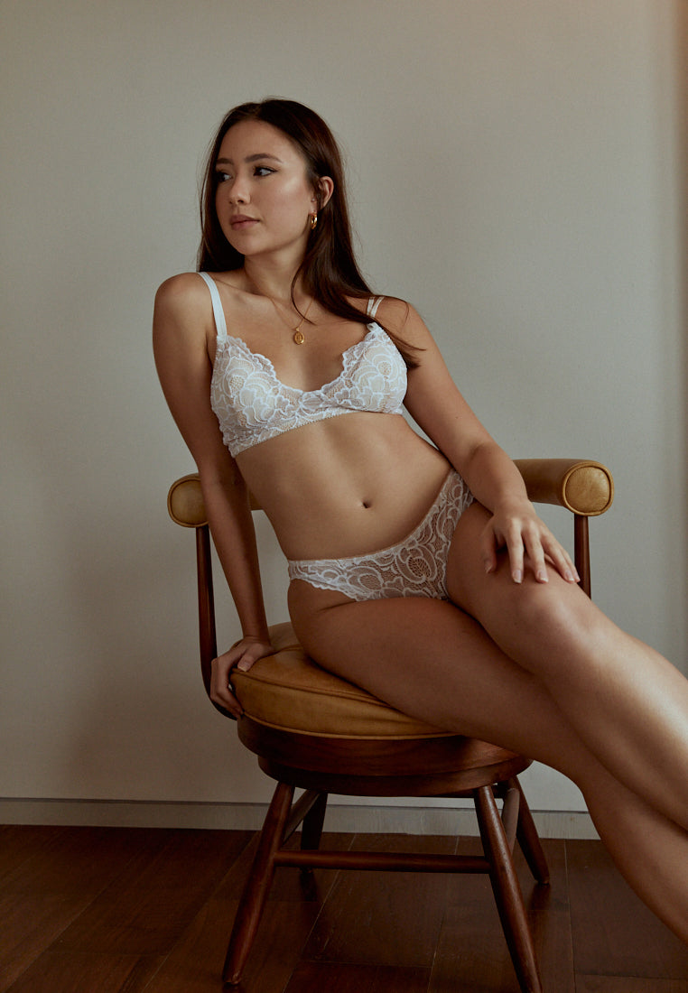 Brunch-Date-White-Lace-Padded-Bralettes-Ashley-Summer-Co-Singapore