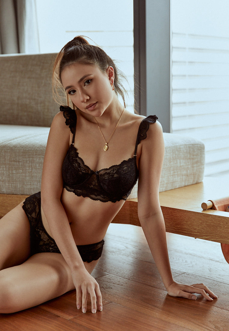 Oui-Black-Padded-Lace-Bralette-Singapore-Ashley-Summer-Co