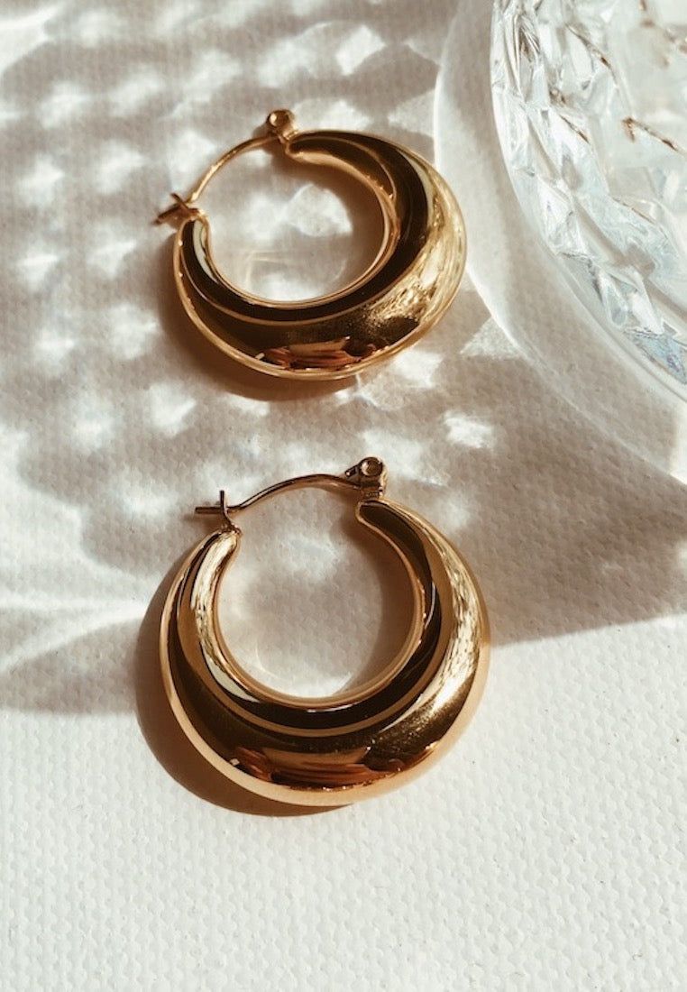 ashley-summer-co-celine-large-thick-gold-hoop-earrings-singapore