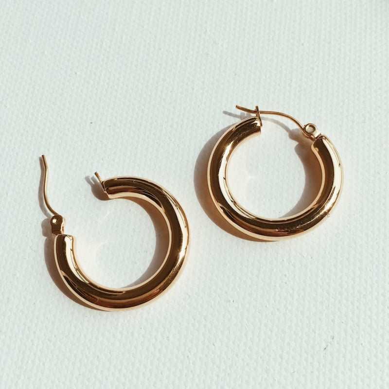 ashley-summer-co-chloe-small-gold-hoop-earrings-singapore