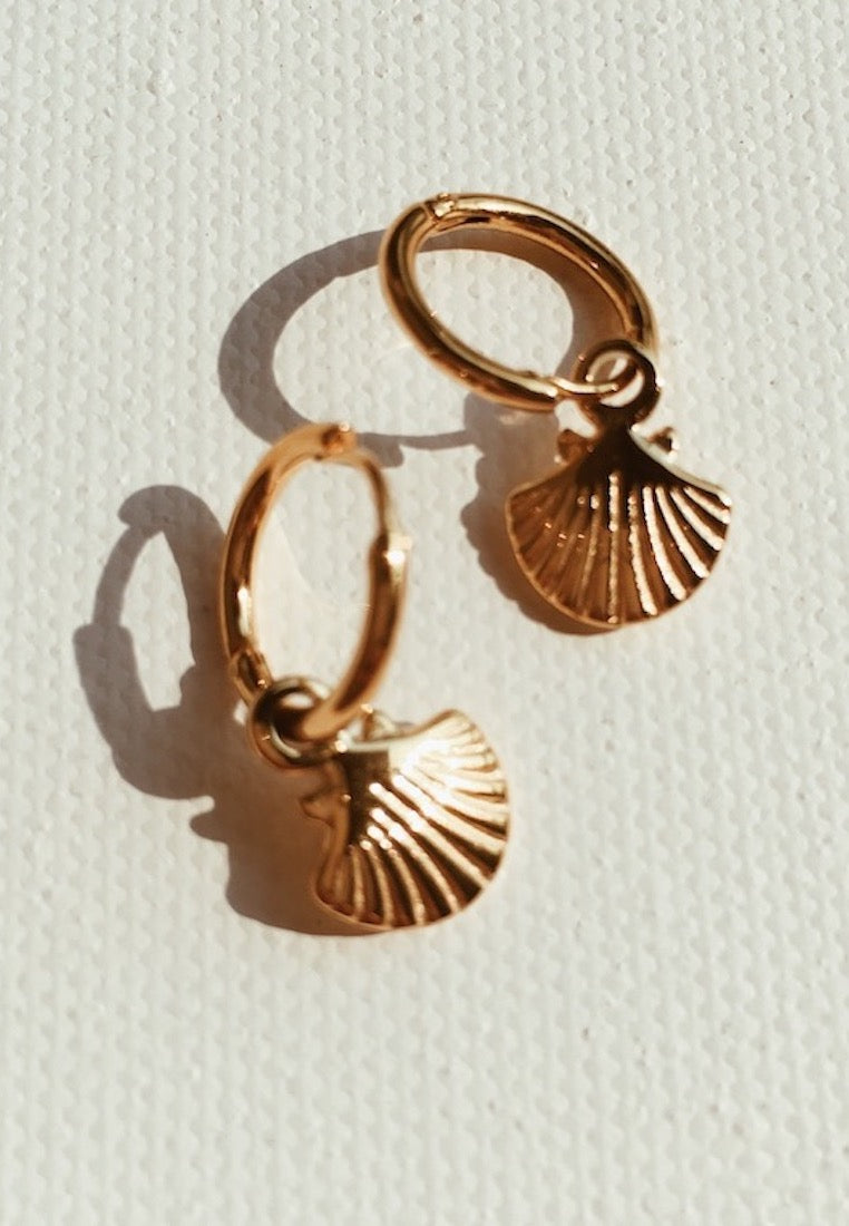 ashley-summer-co-gold-shell-hoop-earrings-small-singapore