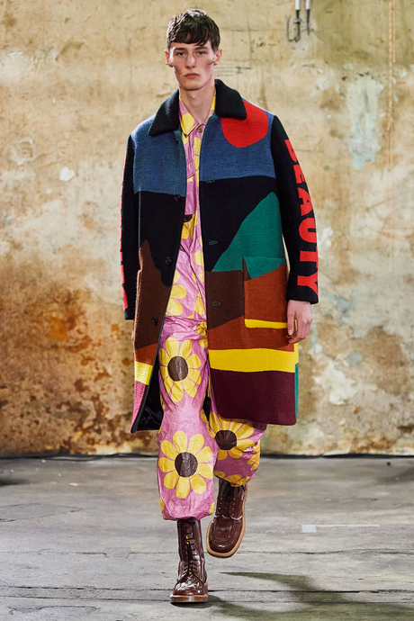 <i>Walter Van Beirendock – </i><br>New Drops Of W:A.R.