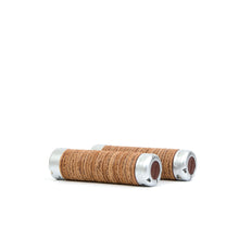 將圖像加載到畫廊查看器中Brooks England | Plump Leather Grips Brown - Concrete