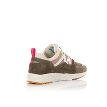 Afbeelding in Gallery-weergave laden, Karhu | Fusion 2.0 Walnut / Bright White F804096 - Concrete