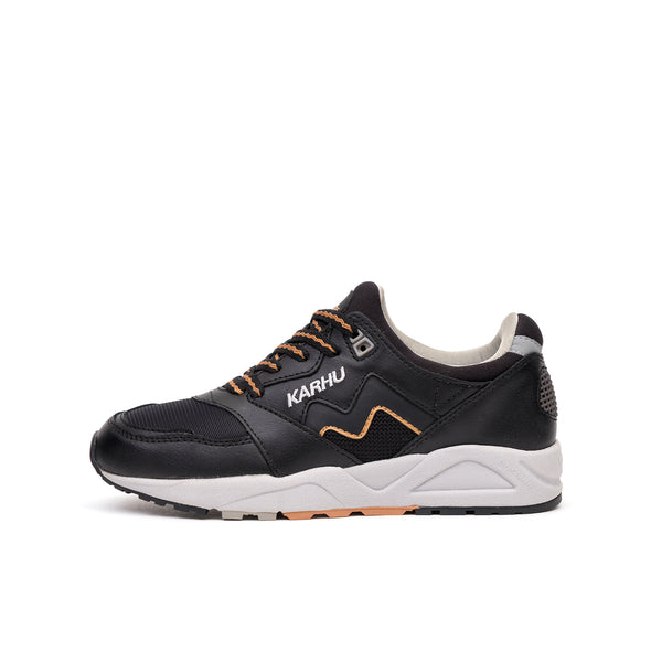 Karhu 'Aria' Black/Indian Tan - Concrete