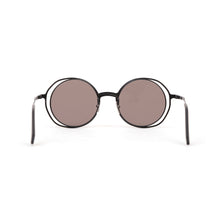 Load image into Gallery viewer, KUBORAUM Sunglasses & Case H10 48-21 BG Silver