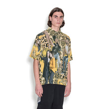 Afbeelding in Gallery-weergave laden, Perks and Mini (P.A.M.) | Picturesque Short Sleeve Shirt Earth
