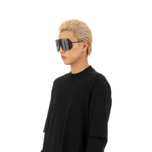 將圖像加載到畫廊查看器中Rick Owens | Sunglasses Shield Black Temple / Black Lens