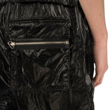 Afbeelding in Gallery-weergave laden, asparagus_ | Inside Out Foil Shorts Black