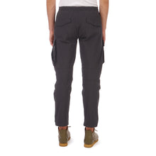將圖像加載到畫廊查看器中maharishi | Vegetable Dyed Cargo Trackpants Black - Concrete